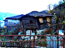 2-collapsed-house-in-chepelare