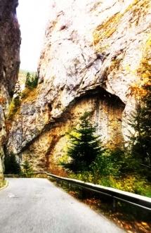 2-mountain-roads-devils-throat