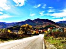 southern-bulgaria-approaching-town