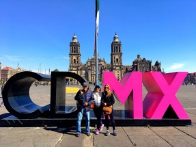Me and my parents Zocalo